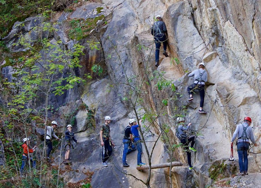 Klettersteig Ardennen : Klimmen en abseilen in de ardennen yourout be